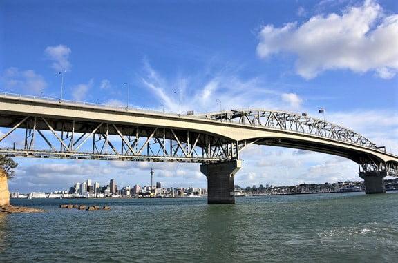 auckland-harbour-bridge